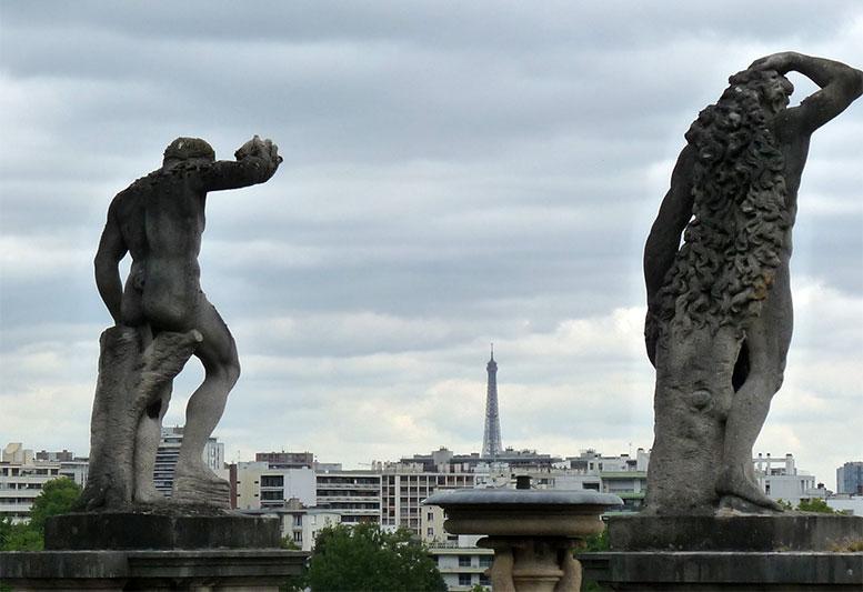 tour-eiffel-et-statue